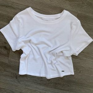 NWOT Must Have Cropped Baby T-shirt